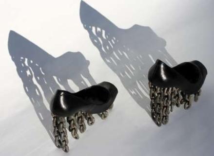 700-1600-0-100.Tove_Jansson_Per_Emanuelsson_rusty_footwear_1