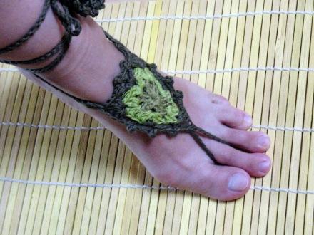 Fußschmuck, olivgrün