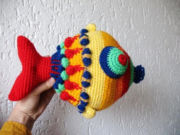 Was für ein schöner Fisch. Tolles Amigurumi :) Free Crochet ... | 438x584